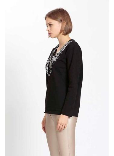Vitrin V Yaka Pul Detaylı Pamuklu Sweatshirt Siyah